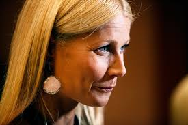 gwyneth paltrow sliding doors haircut gwyneth paltrow talks to terry gross about conscious uncoupling