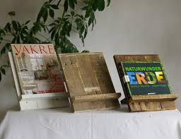 Ideen Mit Steinen Buchstützen Aus Palettenholz Und Steine Als Deko Material