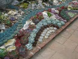 garten dekorieren ideen 35 wundervolle deko ideen für den garten mit sukkulenten