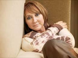 pic of pam tillis hair pam tillis on classic country middays june 27 2017 youtube