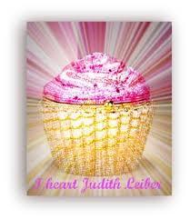 cupcake purse win the judith leiber pink cupcake purse