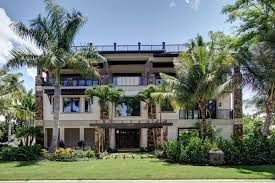 4 bedroom balcony beauty 31811dn architectural designs house