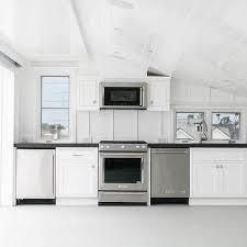 Quartz Countertops For Outdoor Kitchens - black quartz outdoor kitchen countertops design ideas