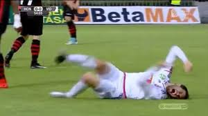 Soccer Player Meme - this soccer player s flop puts lebron james to shame youtube