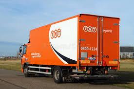 Tnt Express International Quels Services De Transport Envoi Camion De Livraison Postale Global De Tnt Daf Photographie