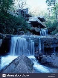 fallingwater house house above waterfalls pennsylvania usa