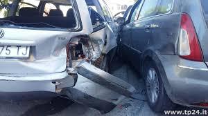 prot e si e auto marsala auto sbanda a porticella colpisce e si trascina un auto