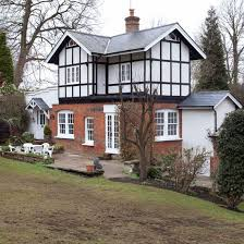Beautiful Homes Uk Step Inside A Victorian Family Home In Surrey Ideal Home