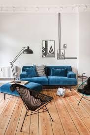 deco canapé idées et conseils pour mettre en valeur le canapé bleu de salon