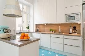 cuisine blanche et bois cuisine blanche en bois cuisine blanche bois clair tablette