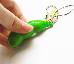 peas in a pod keychain edamame infinite popping bean squishy pea pod keychain uber tiny
