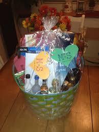 honeymoon gift basket best wedding gift basket lading for