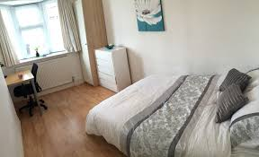 clean bright room in shared house le3 room for rent leicester