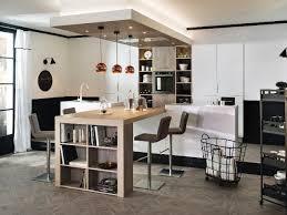 table haute ilot central un îlot central pour une cuisine ouverte conviviale salons