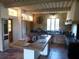 plane de travail cuisine cuisiniste nimes gard cuisine en chêne plan travail granit