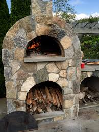 amerigo outdoor pizza oven with natural stone veneer pizza