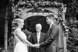emily u0026 dan u0027s backyard wedding new england wedding photographer