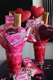 valentines presents best 25 valentines day baskets ideas on valentines