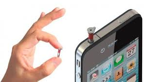 gadgets for android plugging neatly into your smartphone headphone the ipin is a