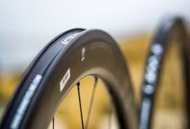 when to replace your road bike wheels cyclingtips