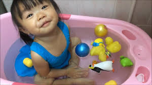 hello bathtub for baby