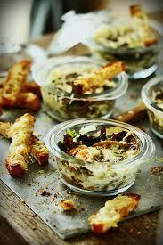 cuisiner les chanterelles grises oeufs cocotte aux chanterelles mouillettes au beaufort cuisine