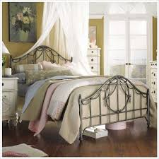 Bedrooms With Metal Beds Metal Bed Buying Guide Bedroom Furniture Cymax