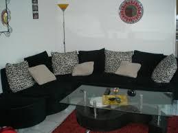 canapé avec gros coussins canapé d angle noir et blanc style velour