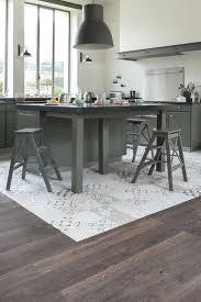 sol vinyle cuisine sol vinyle cuisine finest plancher de cuisine with sol vinyl pour