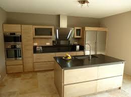 cuisine avec ilot central evier cuisine design graveson bois ilot central évier inox hotte falmec