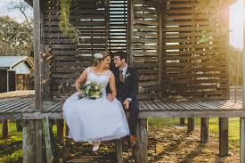 Country Chic Wedding A Romantic And Rustic Country Chic Wedding On Belgenny Farm Uk