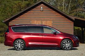chrysler pacifica the car connection u0027s best car to buy 2017