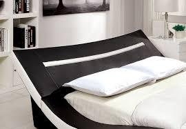 Cal King Platform Bedroom Set Zelina Modern Black U0026 White Leatherette Curved Cal King Size