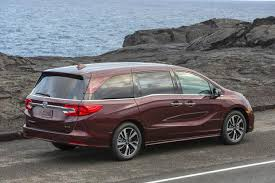odyssey car reviews and news at carreview 2018 honda odyssey new car review autotrader