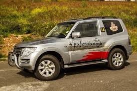 mitsubishi outlander off road mitsubishi pajero 3 door 3 2 di d gls legend ii 2016 review