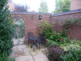 Small Walled Garden Ideas Courtyard Garden Idea Courtyards Pinterest Garden Ideas