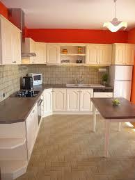 changer couleur cuisine comment peindre une cuisine en bois inspirations et changer