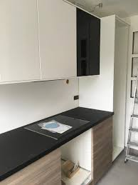 fixer un plan de travail cuisine rénovation de ma maison montage et installation de la cuisine