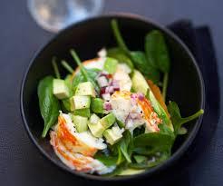cuisiner des queues de langouste recette d entrée salade d épinards et queues de langouste