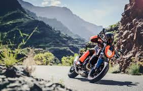 the lc4 wizard how the ktm 690 duke flies along the road ktm blog