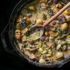 turkey and mushroom gravy recipe how to make chestnut and mushroom gravy with roasted onions