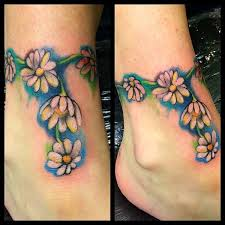48 unique daisy tattoos to style your body
