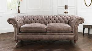 Distressed Chesterfield Sofa Interior Modern Living Room Design With Tufted Leather Sofa And