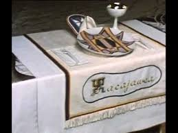 judy chicago dinner table the dinner party a tour of the exhibition youtube