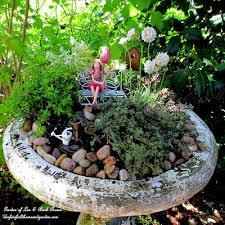13 garden in a bird bath s home