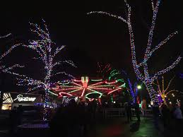 kennywood holiday lights giant eagle pgh momtourage kennywood holiday lights ticket giveaway