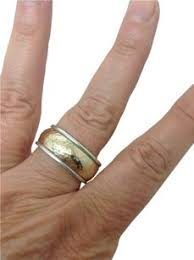 avery wedding bands avery rings up to 90 at tradesy