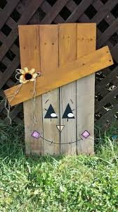 Fall Harvest Outdoor Decorating Ideas - best 25 wood scarecrow ideas on pinterest scarecrow face