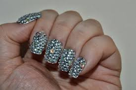 silver rhinestone nails of the day