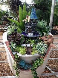 10 great decorate with miniature for cute gardens diy and crafts